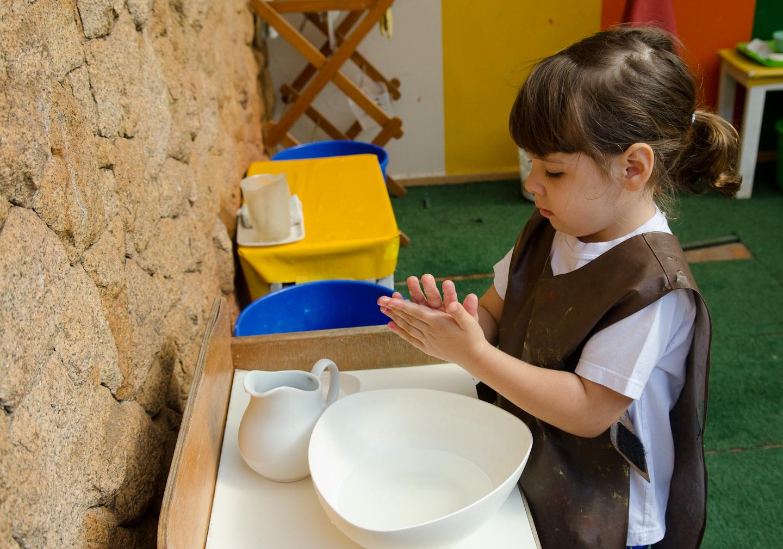 InfantileM - Maria Isabel Lavando as Mãos 4