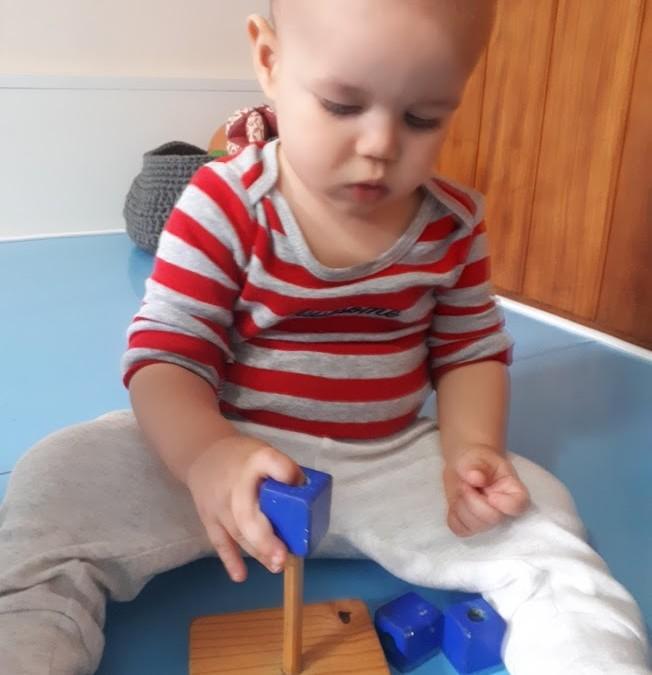 Materna – Haste Vertical para Encaixe de Cubos
